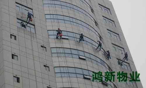 东莞的专业外墙玻璃保洁的收费