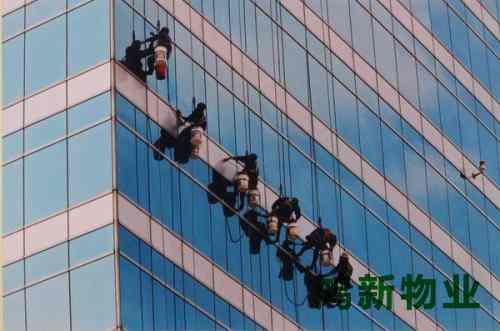 东莞大厦外墙瓷砖清洗的方案
