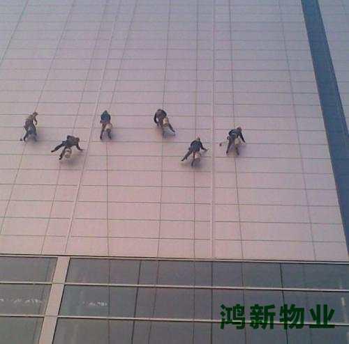 东莞的高空外墙玻璃保洁方案