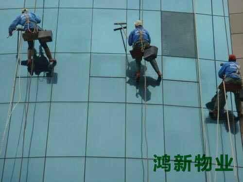 东莞蜘蛛人外墙玻璃清洗服务
