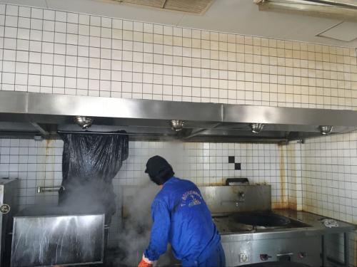 东莞饭店油烟机排烟管清洗公司